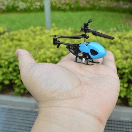 Ce drone Banggood tient dans la main