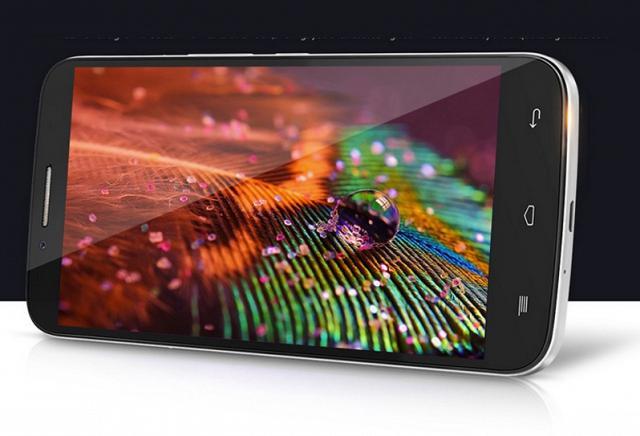 Le smartphone chinois TCL -3N-M2U