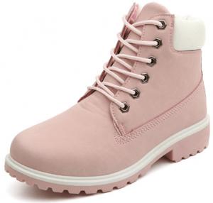 Une paire de chaussures inspirées des Timberland, proposée pour les femmes